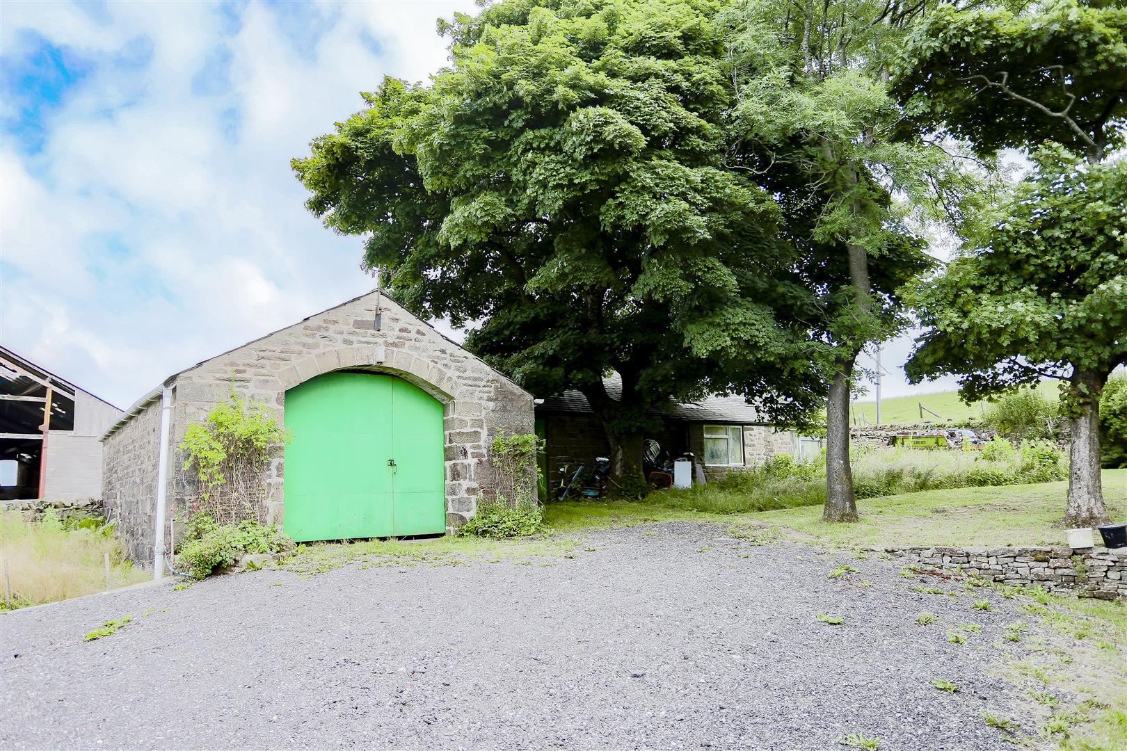 2 Bedroom Barn Conversion For Sale - 2.jpg